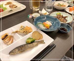 ブッフェ夕食、和食メインでこれは日本酒だよね~、と。