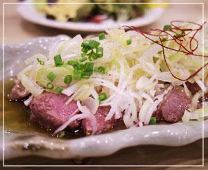 津田沼「肉若丸」にて、前回も食べた気がする白レバテキ。