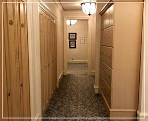 広々したスパエリアのロッカールーム。設備も充実。