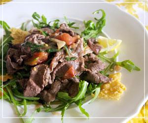 セコンドはお手軽な薄切り肉を使った炒めもの。でもしっかりイタリアン。