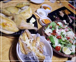 親子3人で食べきれませんでした。COCORICOのロティサリーチキンセット。