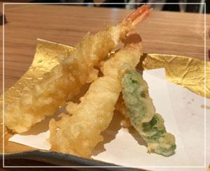 料理は日本酒に合って、どれも美味しかったのですけどね……天ぷらさくさくー。